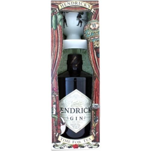 Gin Hendricks com chavena